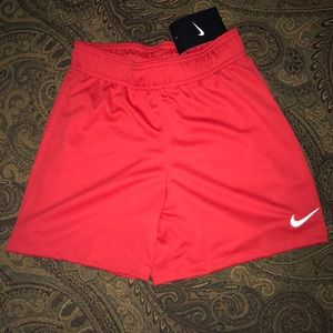 Kids Nike Dry fit red shorts sz small ages 8-9